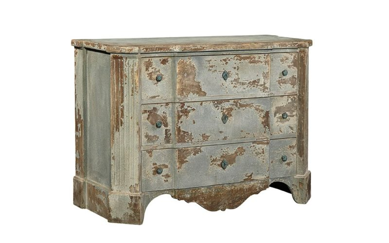 ... Scalloped Chest ...
