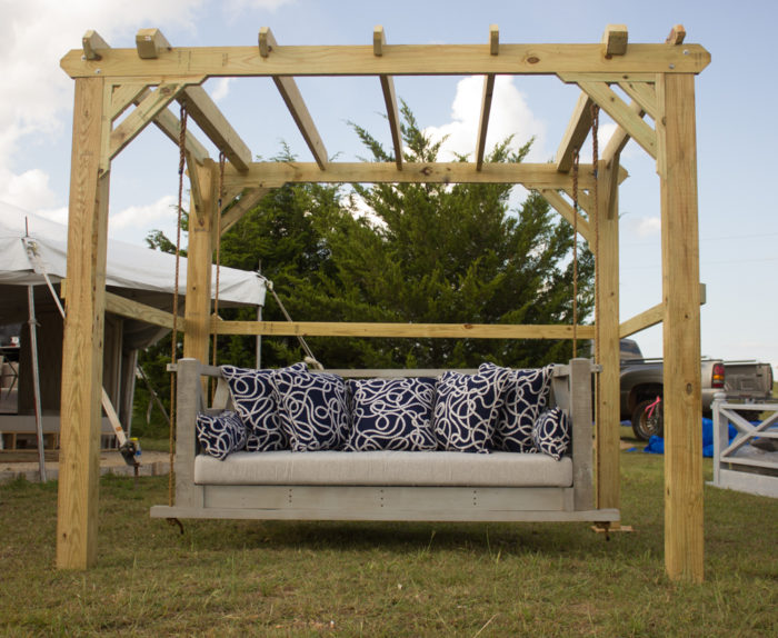 Outdoor Swings & Day Beds